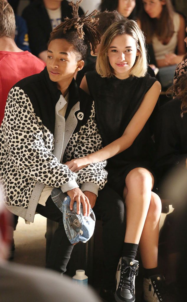 What the Celebs Are REALLY Thinking From the Front Row of New York Fashion Week | E! Online