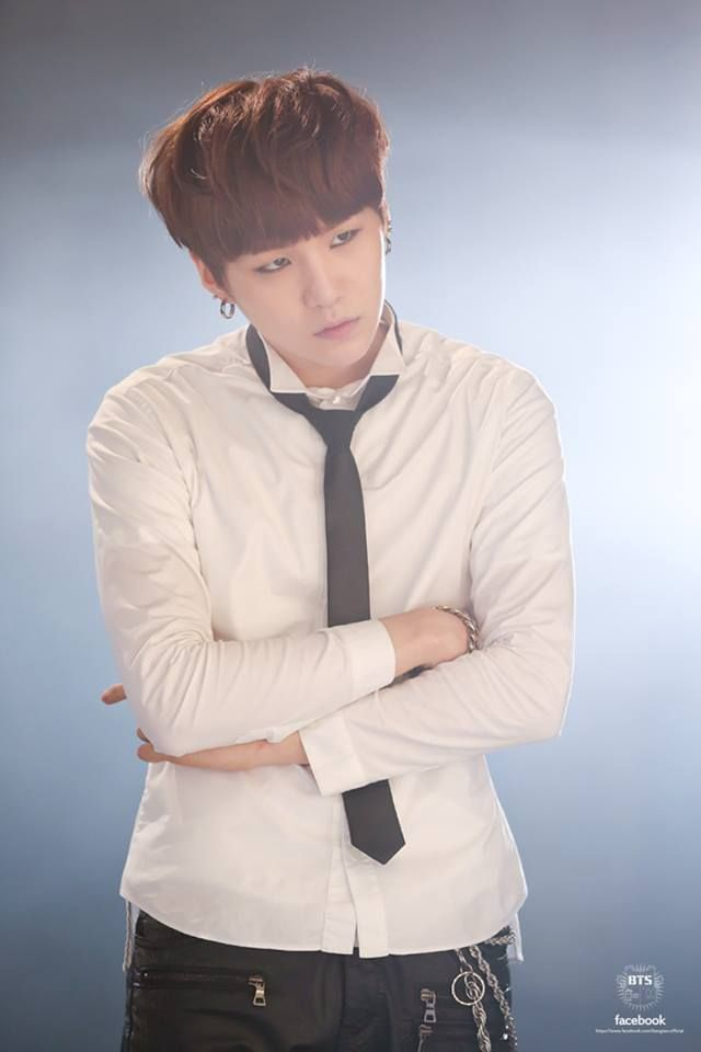 "Suga BTS ""Boy In Luv"" MV Shooting Sketch"