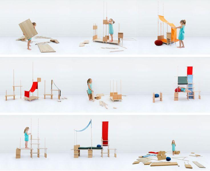 Scopri Mobile in evoluzione Play Yet 1! -/ Per bambini - Set 29 pezzi, Legno naturale / Tessuto rosso di Smarin disponibile su Made In Design Italia il miglior sito online di design.