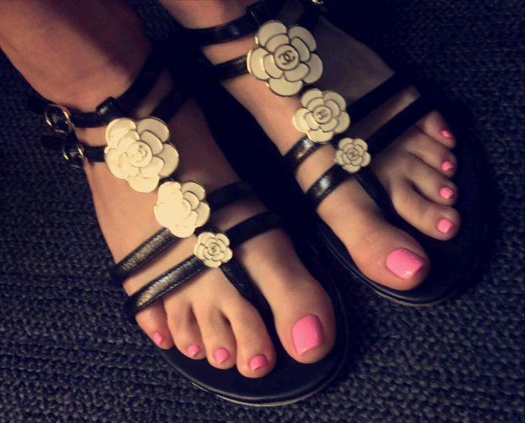 Chelsea-Chanel-Dudley-Feet-2191082.jpg 1,776×1,434 pixels