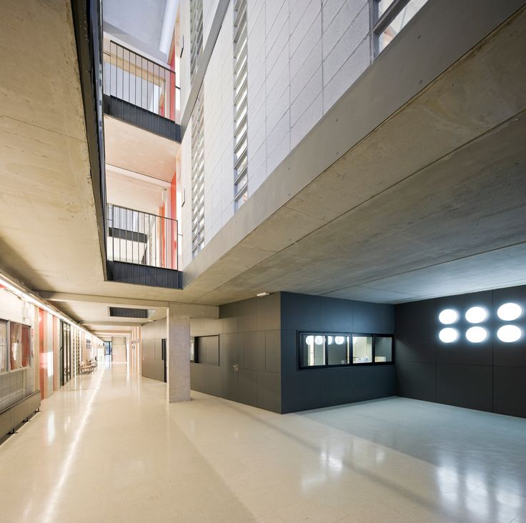 Els Grogs secondary school