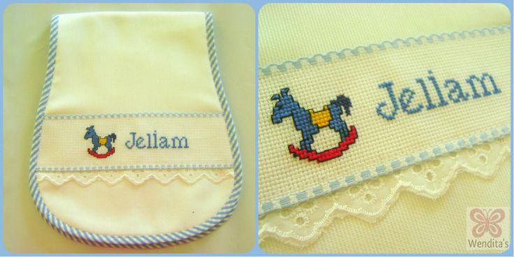 bebe charger embroidery cross stitch/ cargador para bebe bordado a punto de cruz. https://www.facebook.com/pages/wenditas/133876649957738?ref=hl