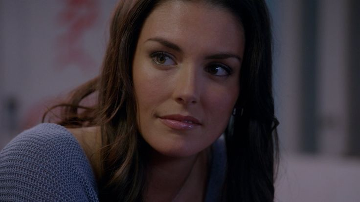 taylor cole two and a half men - Buscar con Google