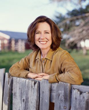 Mary mcdonnell so hot — img 3