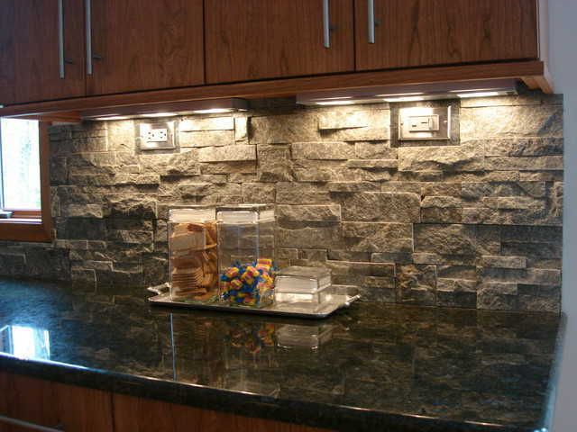20 Kitchens With Stone Backsplash Designs