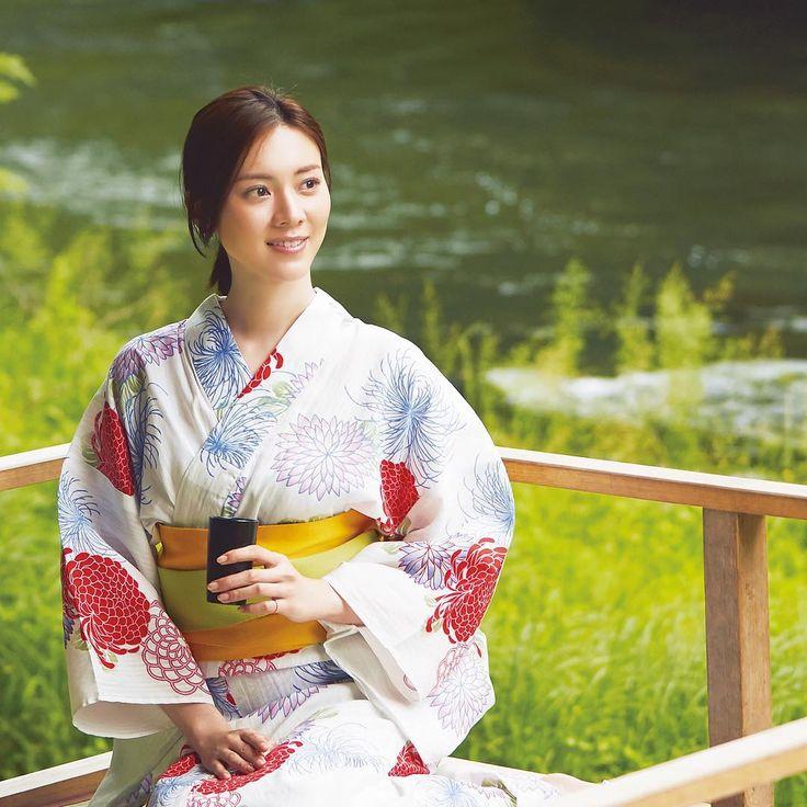 アラサー女子から人気の観光地、金沢。  いま発売中のAneCan8月号では、専属モデル・安座間美優が1泊2日で回れる最新の旬なスポットをご紹介しています ・ #安座間美優 #みゅう #みゅうジャパン #金沢 #石川 #川床 #浴衣 #浴衣美人