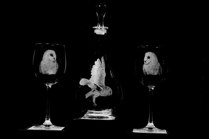 Alan Sinclair, Glass Engraving Owl decanter and glasses. http://www.eternaltools.com/glass-engravings-by-alan-sinclair/