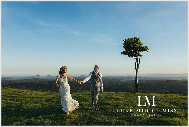 Bride and Groom enjoy the magnificent views of the country at Maleny Manor - Sunshine Coast // Wedding DJ G&M Event Group #GMEventGroup #DJBrianDavis #Wedding #SunshineCoastWedding