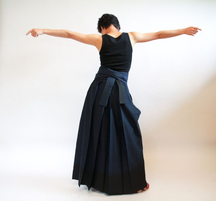 Navy Blue Hakama, Japanese Womens Kimono Skirt, Graduation Ceremony Skirt, Pleated Full Maxi Skirt, Budo, Taisho, Kyudo, Aikido, Blue Skirt by CJSTonbo on Etsy