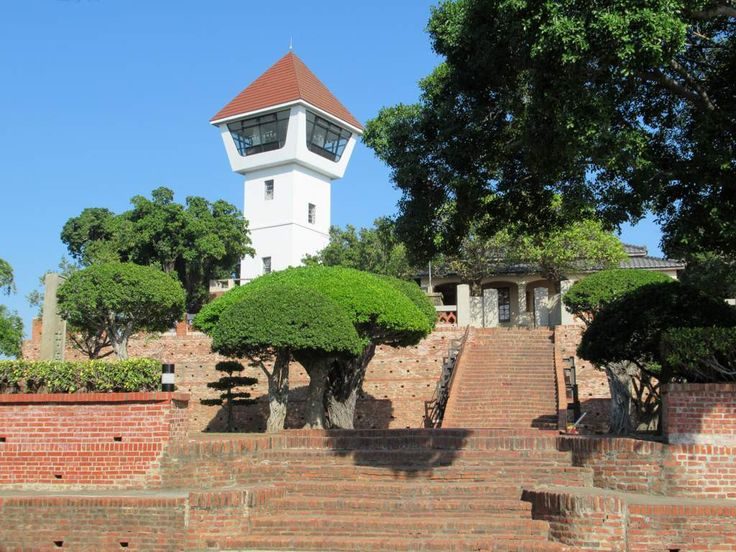 In the early 17th century the Dutch ruled Taiwan from Fort Zeelandia (1624), now called Anping Fort, in Tainan. Its capture by Ming Dynasty loyalists in 1661 marked the end of the Dutch period.