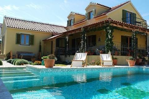 Gorgeous private open swimming pool