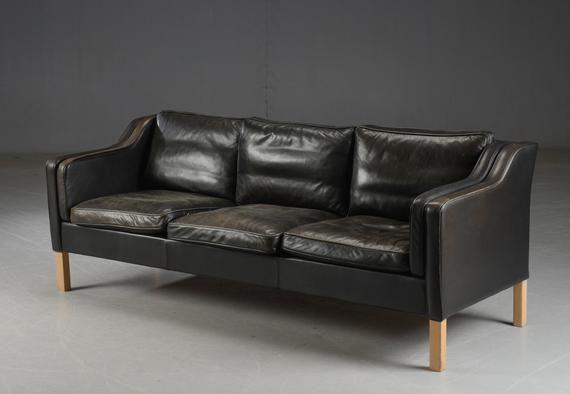 Prime Lovely Mogens Hansen Faded Black Coloured 3 Seater Leather Gamerscity Chair Design For Home Gamerscityorg