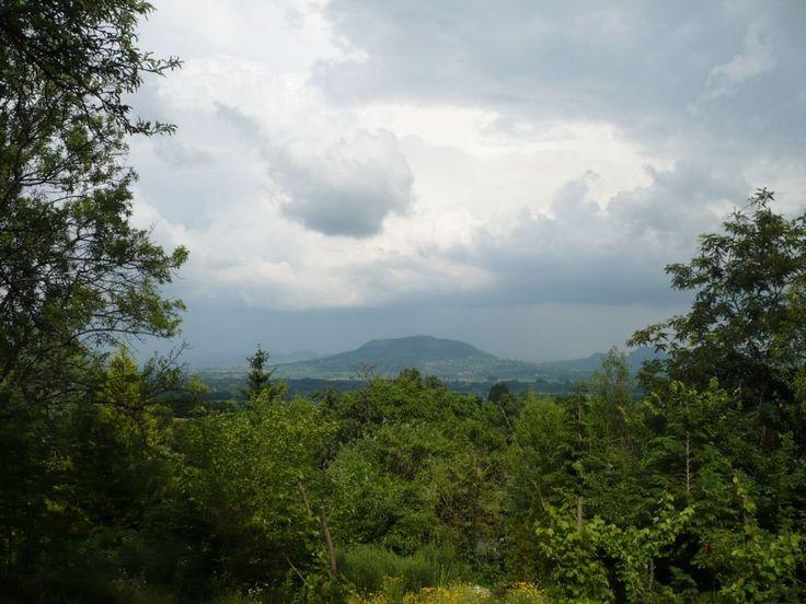Szent György-hegy vihar előtt