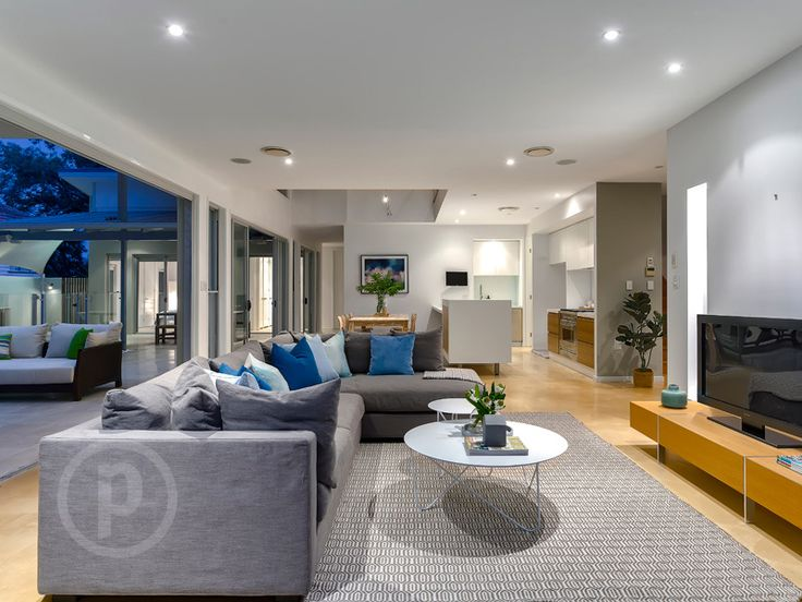 32 Davidson Street, Newmarket // Mario Sultana   #livingroom #homeinspiration #neutral #outside #couch #brisbane #queensland #realestate #inspiration #diningroom #openplan #homedecorate #realestate #realtor #brisbanerealestate #decorator #interiordesign #modern #crisp #light #open #space