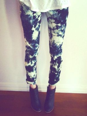 I really want to do this... all you do is tie rubber bands all over your jeans (like tie dying a shirt) and then put in in bleach