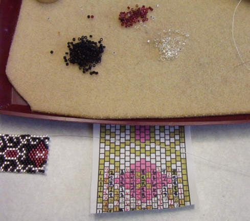 Here's a tutorial for how to read peyote stitch patterns, from http://www.rubysbeadwork.com/ReadingPeyotePatterns.html