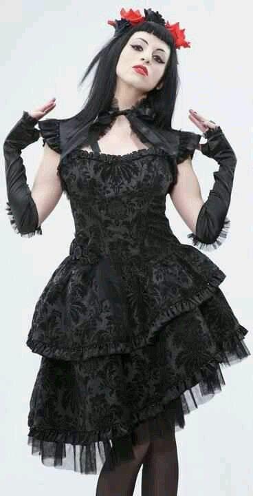 #винтаж #готическая девушка #викторианская мода #готическое искусство