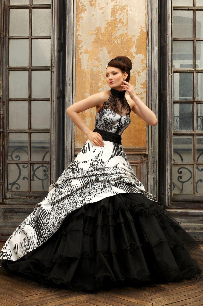 53 best Wedding gowns images on Pinterest | Wedding dressses, Bridal ...