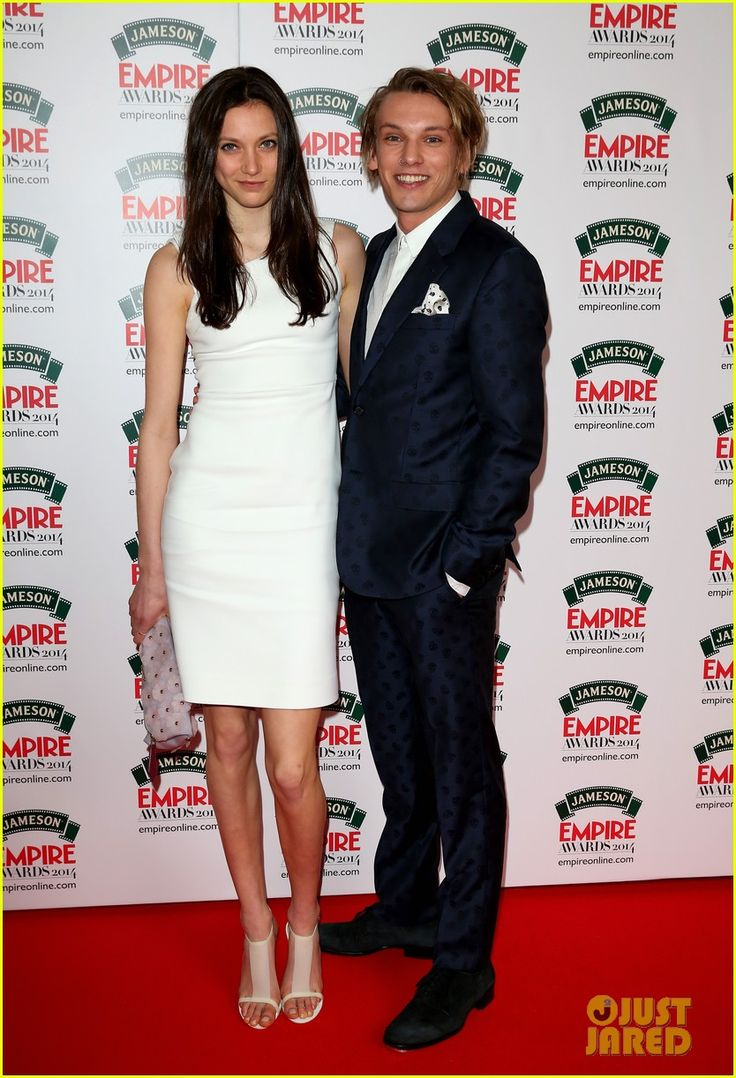 jamie and lily dating 2014 Lily collins accompanied boyfriend jamie campbell bower to a charity screening of breaking dawn check out some more pictures of lily and jamie's delicious stroll.