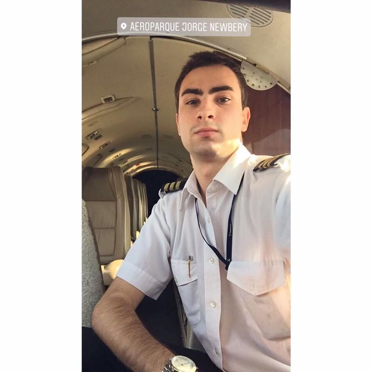 From @ferlunghi Fernando Lunghi from Argentina Buenos Aires #airline #airlinescrew #plane #airlines #comissariadebordo #cabincrewgirls #crewlifestyle #cabincrews #flightattendants #crewfie #crewlife #flightattendantlife #stewardesslife #layover #crew #avgeek #aircrew #travel #fly #flight #airplane #pilot #cabincrewlife #stewardess #flightcrew #airhostess