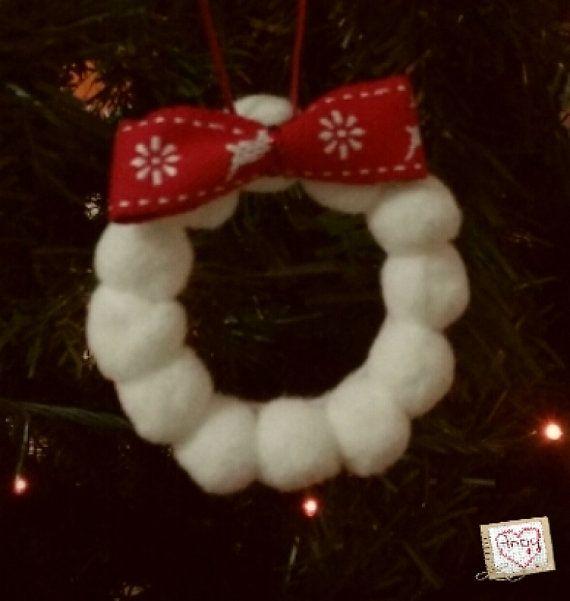 Mini ghirlanda con fiocco decorato per l'albero di #Natale. Di Angypuntobase su Etsy