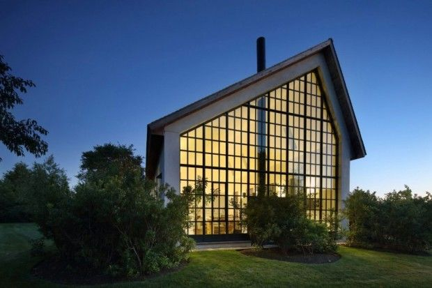 Cette habitation baptisée WE Guest House, se trouve dans les Hamptons, lieu de villégiatures des millionnaires new-yorkais. C'est le studioTA Dumbleton Ar