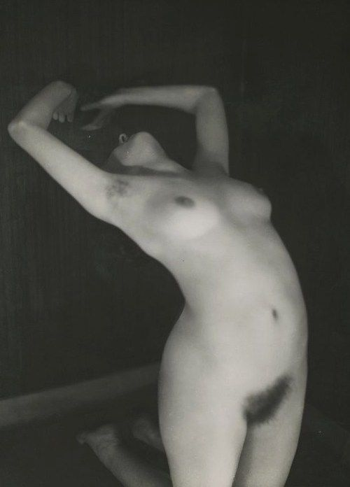Germaine Krull - Etude de Nu féminin, 1928