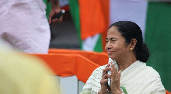 Kolkata: Amidst tight security to avoid any kind of untoward incident during the Martyrs Day rally of ruling Trinamool Congress (TMC) tomorrow, eight giant screens will be set up to let people watch TMC supremo Mamata Banerjee addressing the rally without facing any trouble. Around 2,500 police...