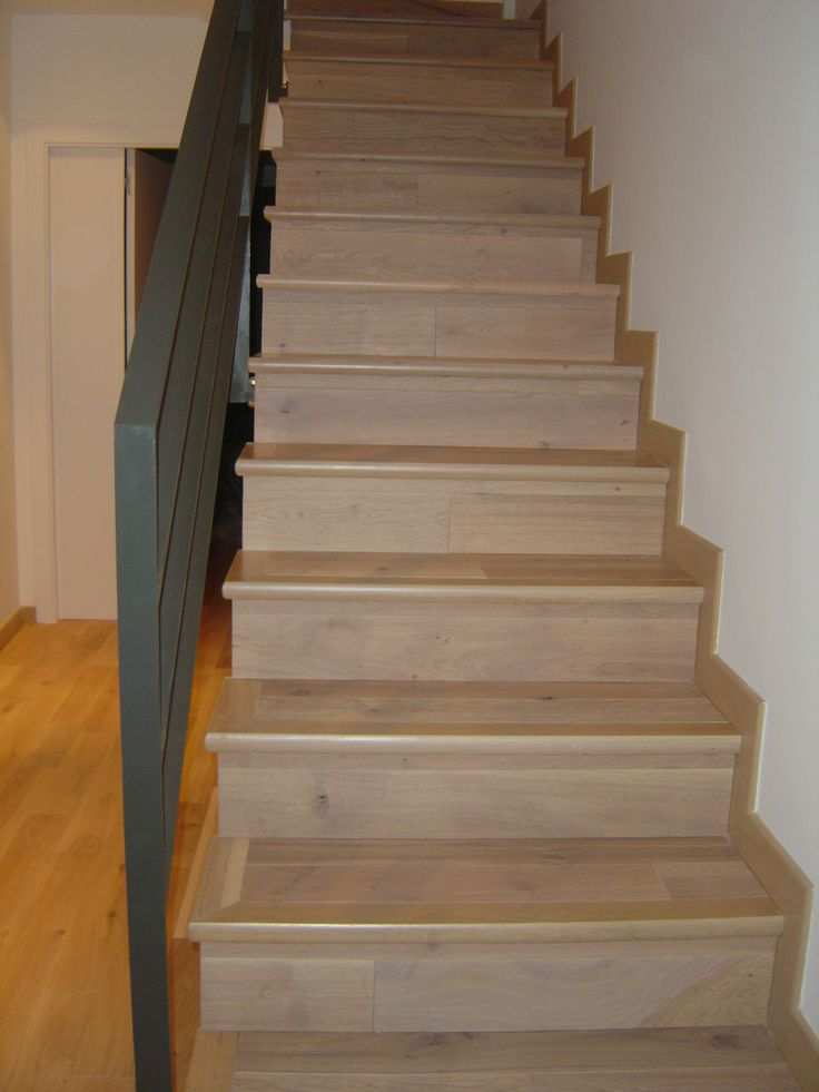 Revestimiento de escalera con un parquet multicapa martyn - Escalera prefabricada de hormigon ...