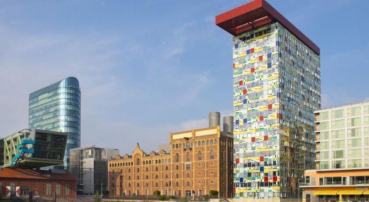 泊ってみたいホテル・HOTEL ドイツ>デュッセルドルフ>ライン川の川岸にある4つ星ホテル>インサイド バイ メリア デュッセルドルフ ハーフェン(Innside by Meliá Düsseldorf Hafen)