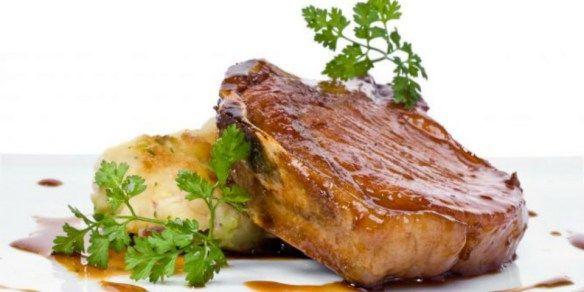 Cómo preparar chuletas de cerdo con Tsunami – La Ola Brewing