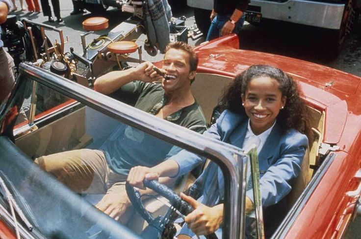 Arnold Schwarzenegger and Rae Dawn Chong | Rare celebrity photos