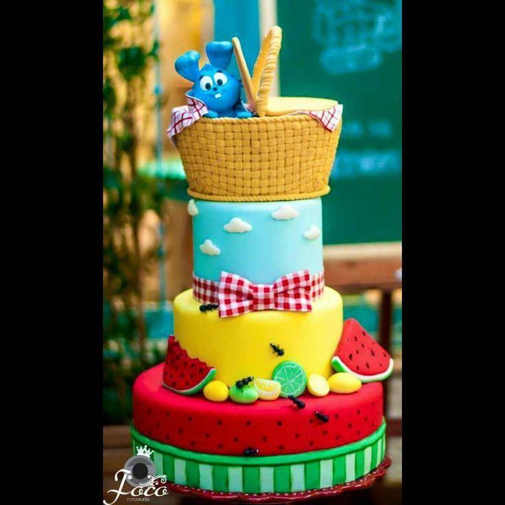 Bolo lindo desenvolvido exclusivamente pro curso de decoração em Vitória para a mesa temática  Picnic da Turma da Mônica  pela Luciana Santos! @confeitariadaiara - Bolo e Maquete