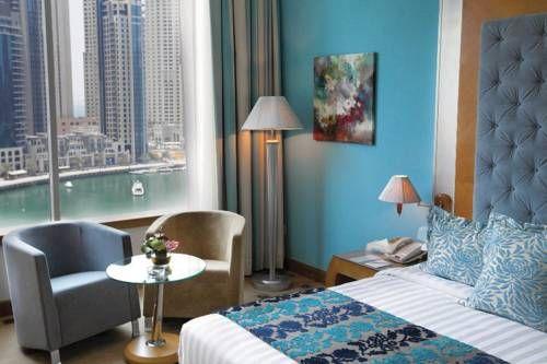 Marina Byblos Hotel - Cet hôtel 4 étoiles situé à 5 minutes de marche de la plage de Jumeirah propose des chambres climatisées avec vue sur le port de plaisance de Dubaï. Il dispose de 6 restaurants sur place et d'une piscine panoramique sur le toit. Adresse Marina Byblos Hotel: Dubai Marina  Dubai