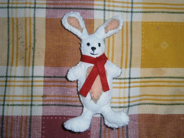 Lia B. Creations: Felt Rabbit