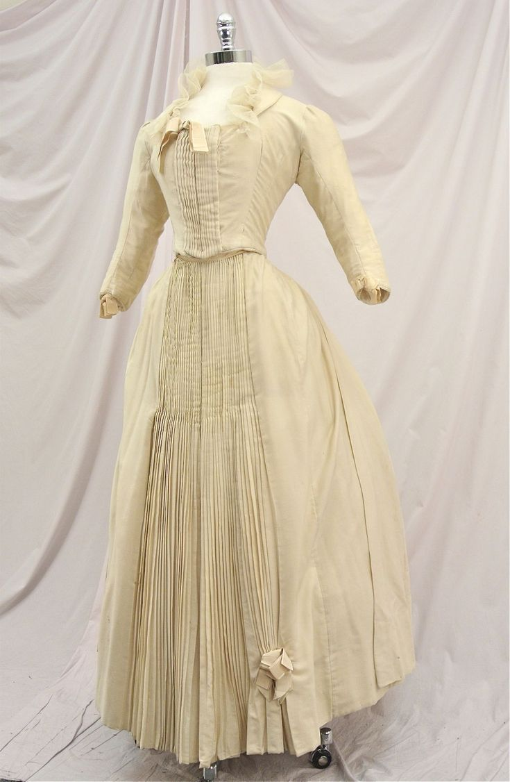 1147 best Victorian Cream/Ivory gowns 1837 - 1901 images on ...