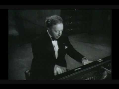 Arthur Rubinstein plays Chopin. Polonaise in Ab Major, Op. 53. Heroic