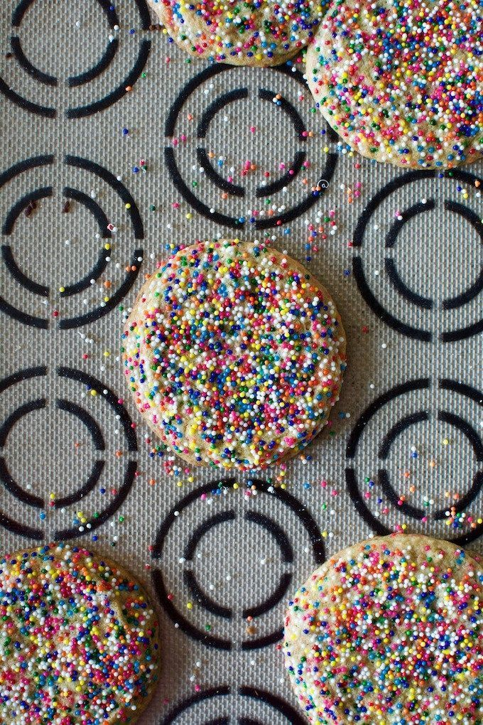 Mexican Sprinkle Cookies Recipe—Get more dairy-free cookie recipes at http://www.holajalapeno.com
