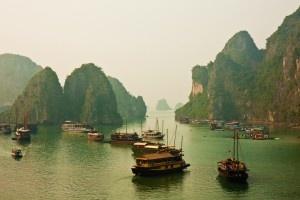 Honeymoon vietnam halong bay