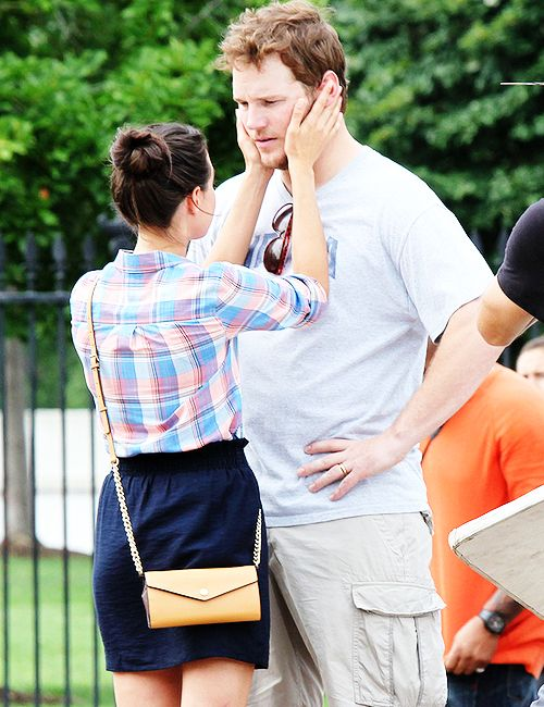 Chris Pratt and Aubrey Plaza from Parks and Rec. WHY DONT THEY JUST GET MARRIED