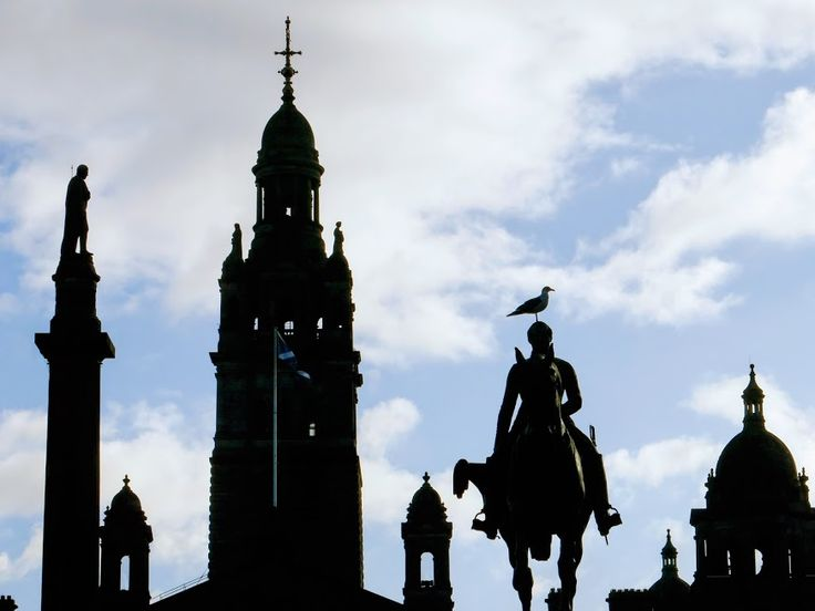 George Square is one of the iconic stops on this Glasgow City Centre walking tour.