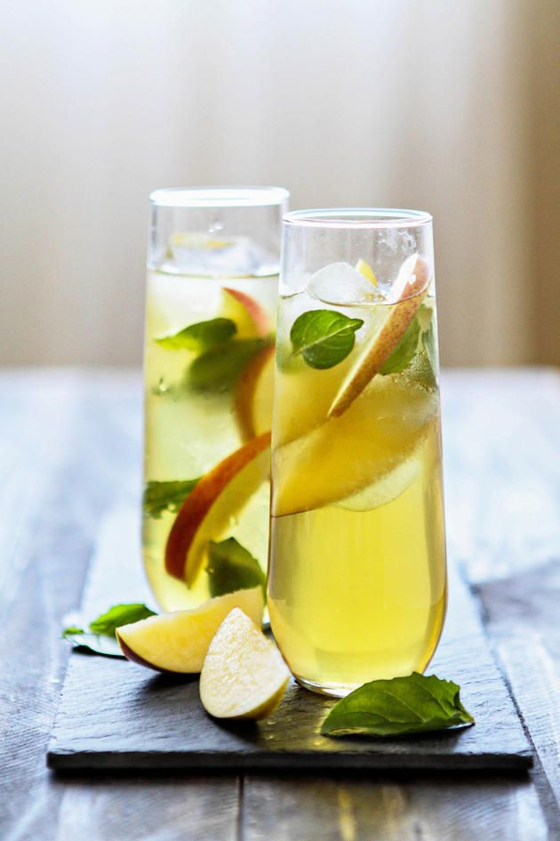 Green Tea Cocktail is fun, tasty, and so simple to make. How great is that?
