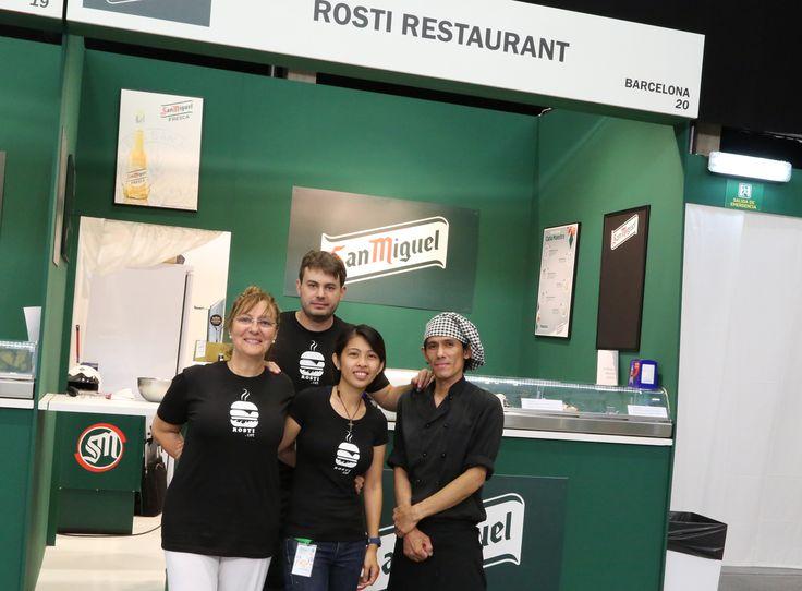 Equipo de Rosti Restaurant para la II Feria de la Tapa de Barcelona ow.ly/pf6SK, que tiene lugar del 26 al 29 de septiembre en el Sant Jordi Club, de 12:00 a 16:30 y de 20:00 a 24:00 h