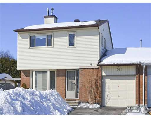 MUST BE SEEN! 3Bedrms, 2.5Bathrms freehold semi-detached in desirable Orleans area, Hardwood floors in Living/Dining, Living Room W/gas fireplace, Spacious Kitchen