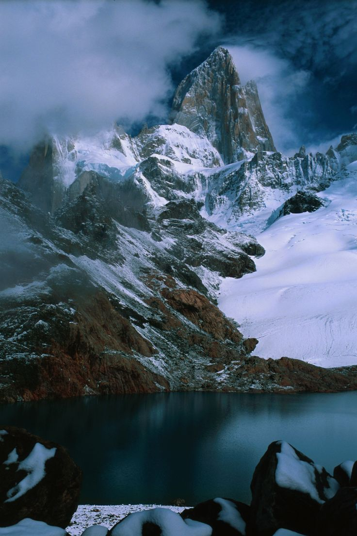 Fitzroy_in_clearing_storm_3.jpg (2048×3072)