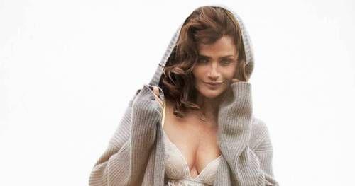 Helena Christensen oltre a posare per Triumph ha anche partecipato a realizzare la collezione di lingerie