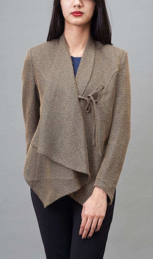 Blazer with uneven hem, front tie poly suiting. http://zocko.it/LB61W