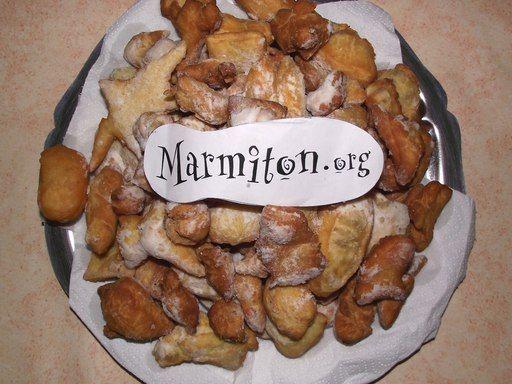 Véritables bottereaux de boulangerie (ou beignets de carnaval) - Recette de cuisine Marmiton : une recette
