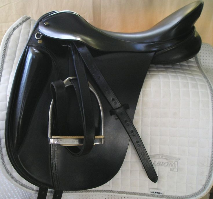 Centaur 18 w Michael Stokes Dressage Saddle 0157