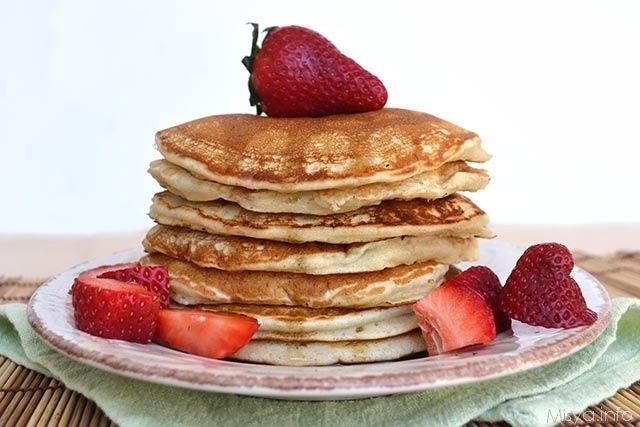 Questi pancake senza uova sono il mio dolce vegano meglio riuscito, mi credete se vi dico che questi pancake non hanno nulla da invidiare a quelli fatti